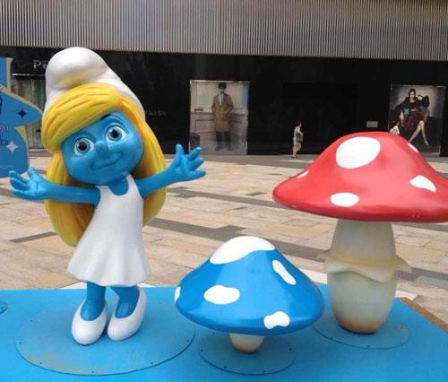 浙江玻璃钢蓝精灵动漫雕塑
